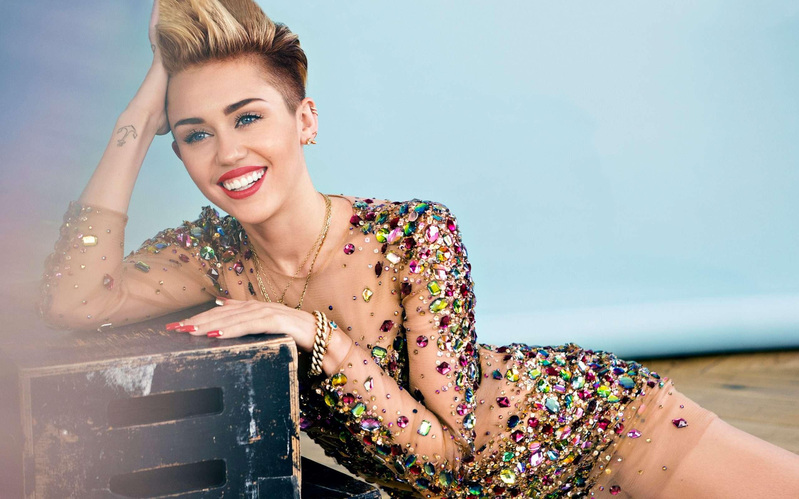 Miley Cyrus Queer