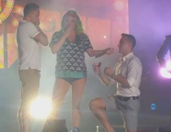 Kesha Gay Couple Proposal On Stage