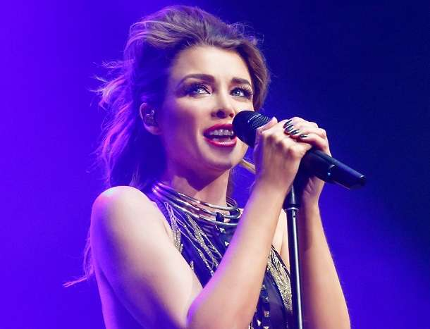 Dannii Minogue WEB