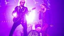 queen adam lambert concert on stage