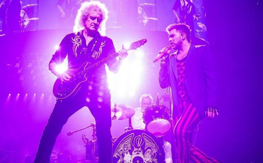 queen adam lambert concert on stage