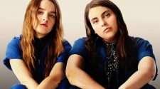 booksmart movie still lesbian scene olivia wilde delta airlines
