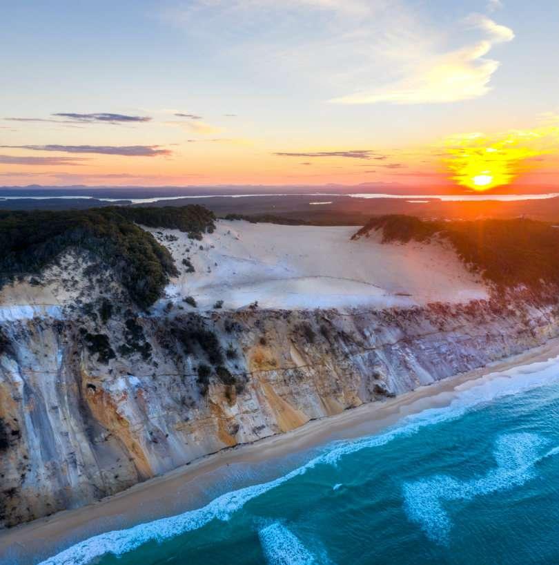 rainbow beach coloured sands