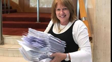 lyle shelton acl drag storytime petition wendy francis