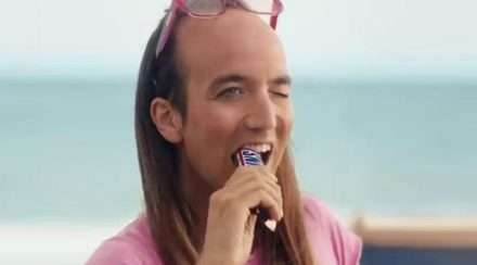 snickers tv ad advertisement Spain homophobic backlash